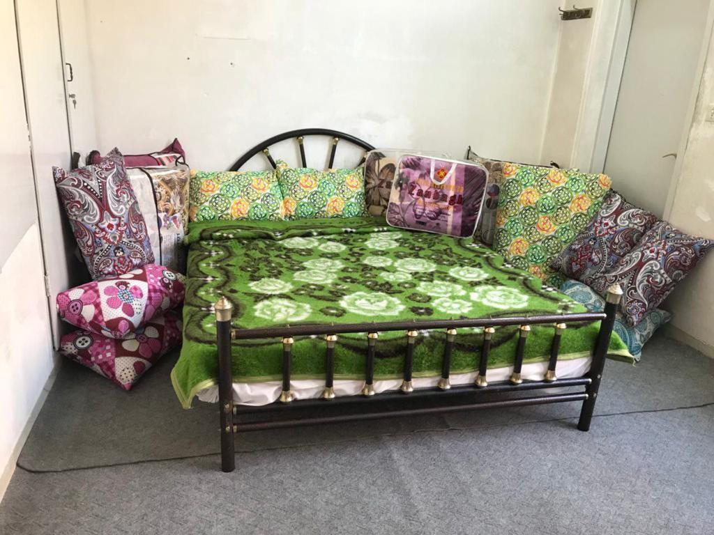 شهری خانه  تک خوابه نوساز در یزد  - کلبه مهربانی همکف