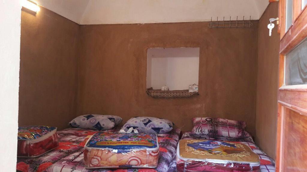بوم گردی اتاق سنتی در جندق اصفهان - همکف9