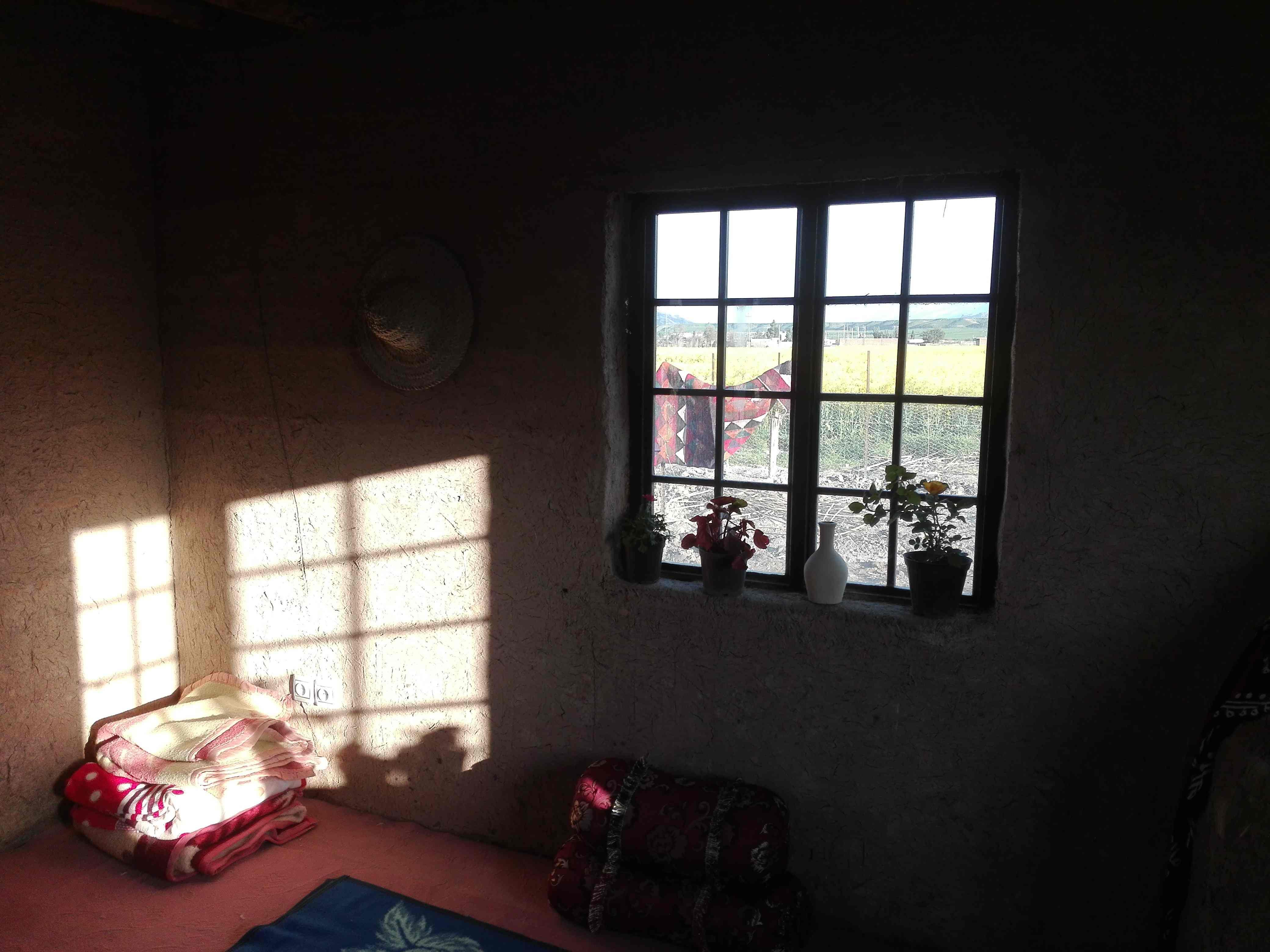 حومه شهر بوم گردی سنتی تمیز در دره شهر