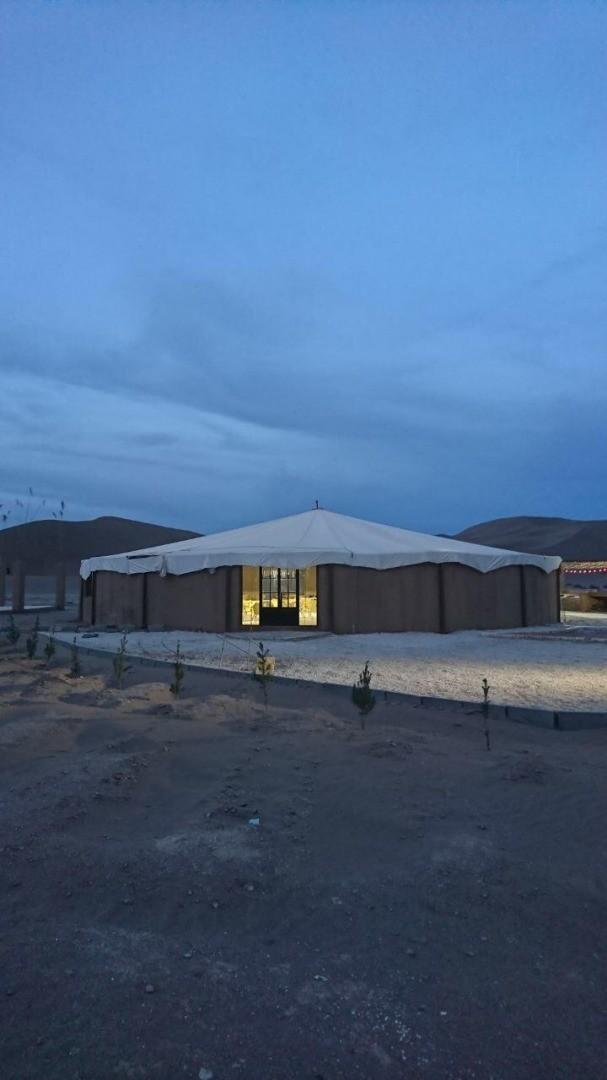 کویری مجموعه گردشگری و پارک طبیعت گردی در یزد ی نی باد کویر زرین