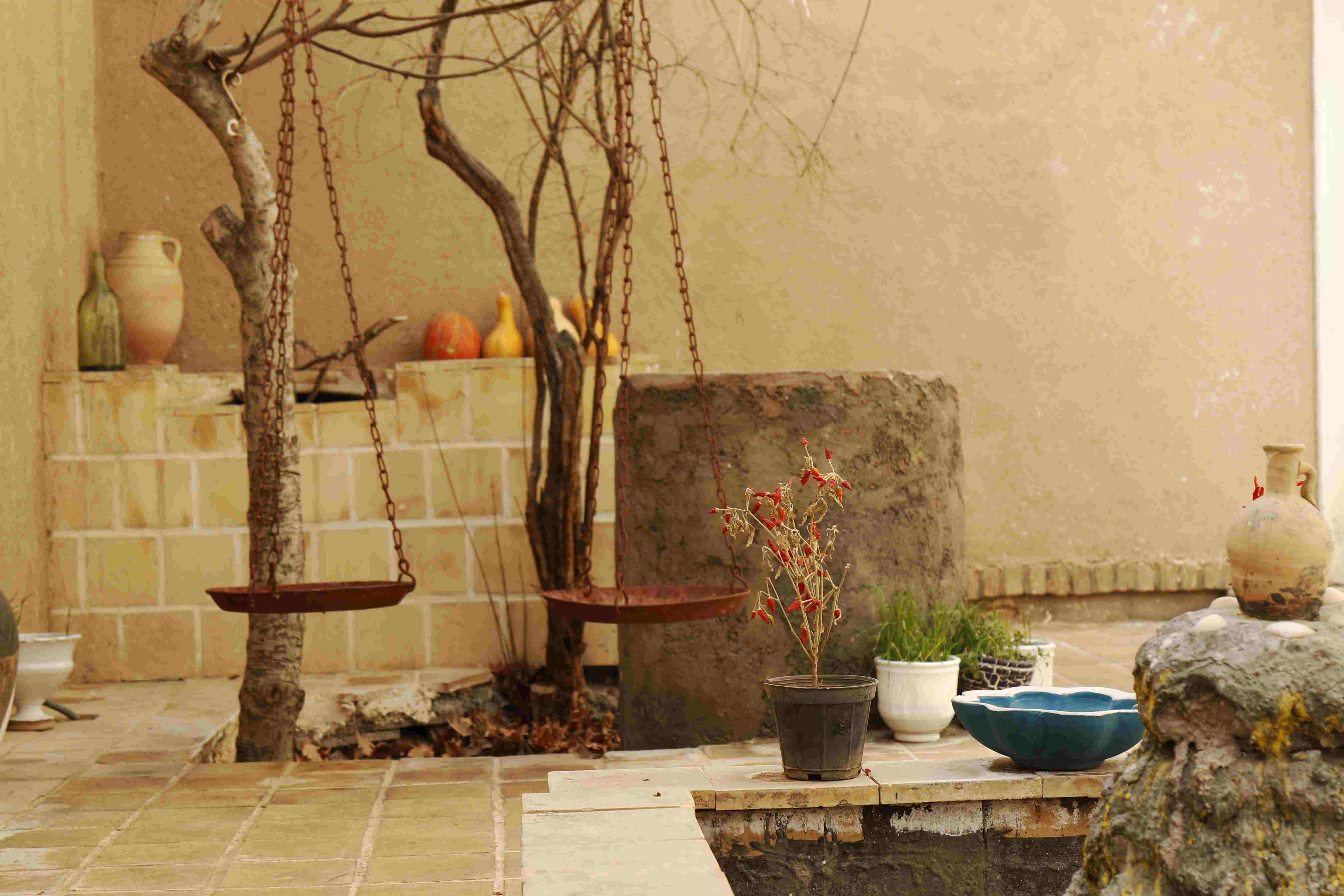 بوم گردی اقامتگاه بومگردی در باغستان نطنز