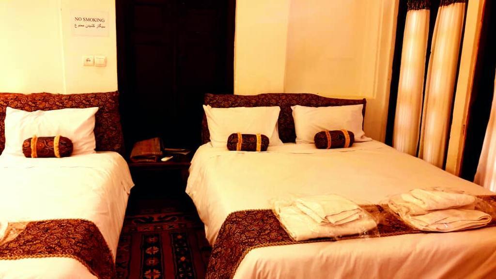 شهری هتل سنتی سه تخته در رجایی یزد - اتاق 3