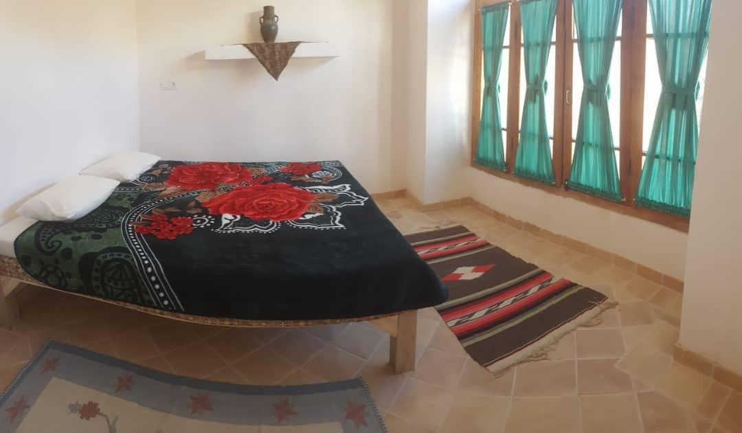 بوم گردی اقامتگاه سنتی کمال الملک کاشان - بابونه