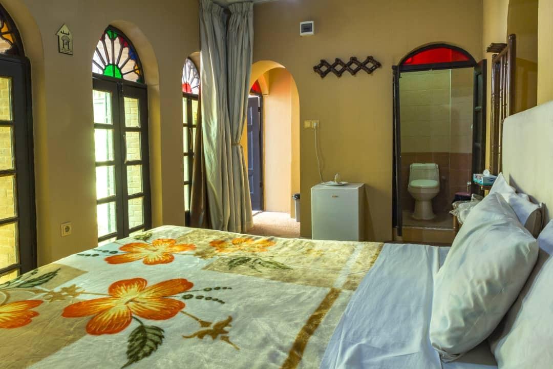 درون شهری  هتل آپارتمان  سنتی ارزان در شیراز-1