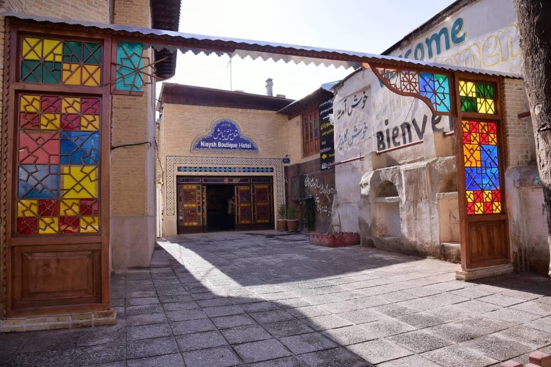 درون شهری هتل سنتی تمیز در شیراز-114