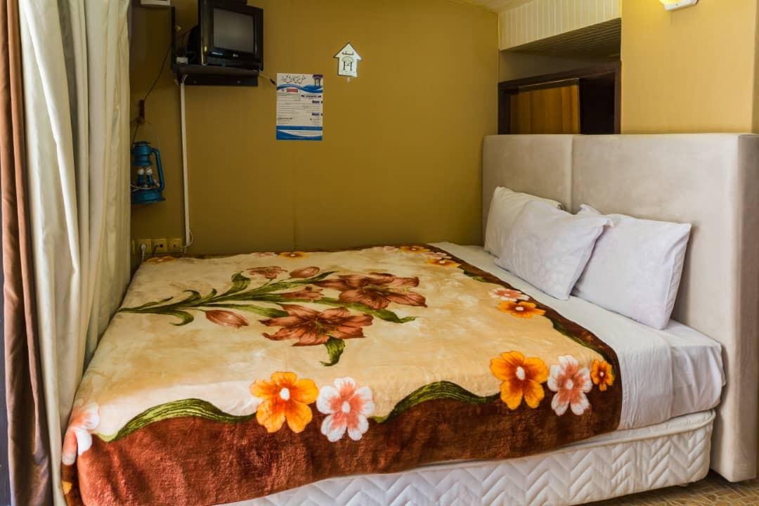 درون شهری هتل آپارتمان در شیراز-18