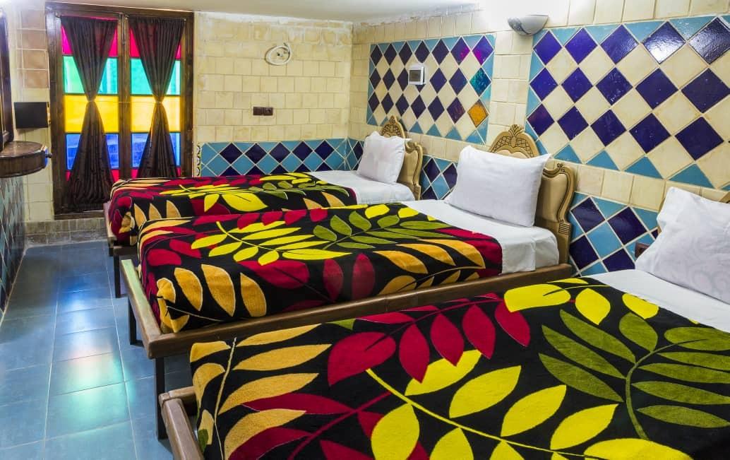 بوم گردی هتل سنتی ارزان در شیراز-126