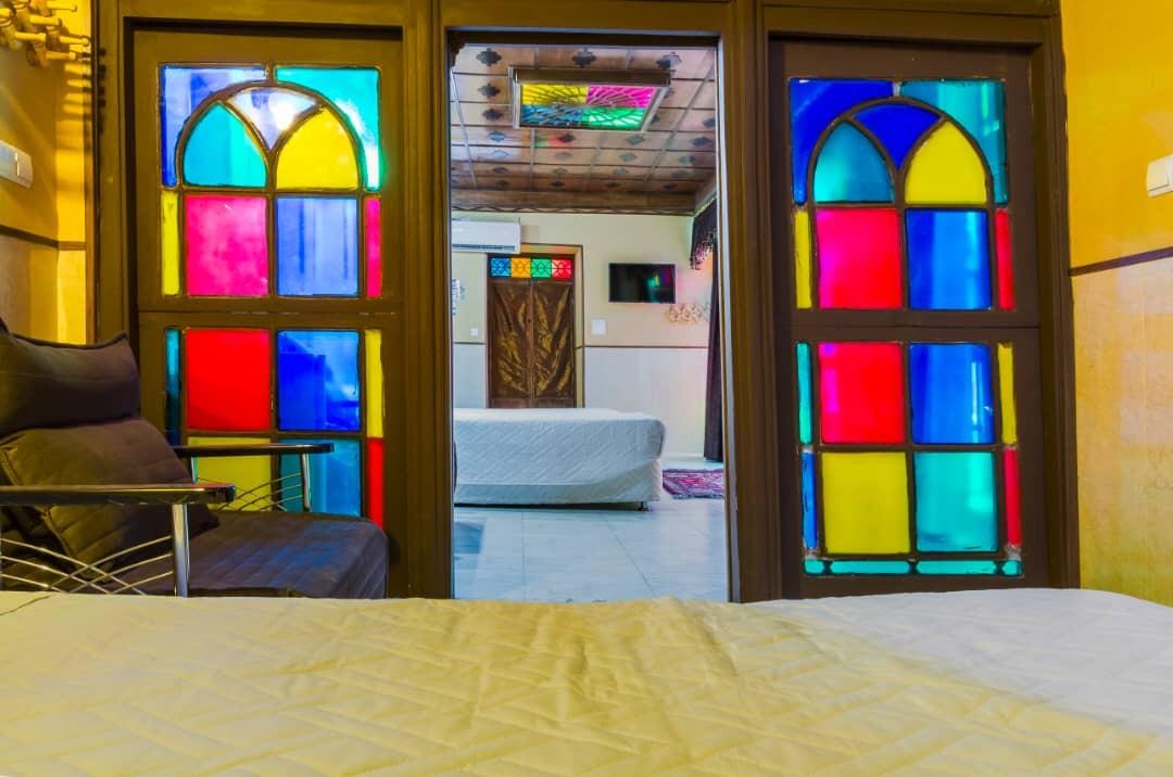 درون شهری خانه سنتی در شیراز-407