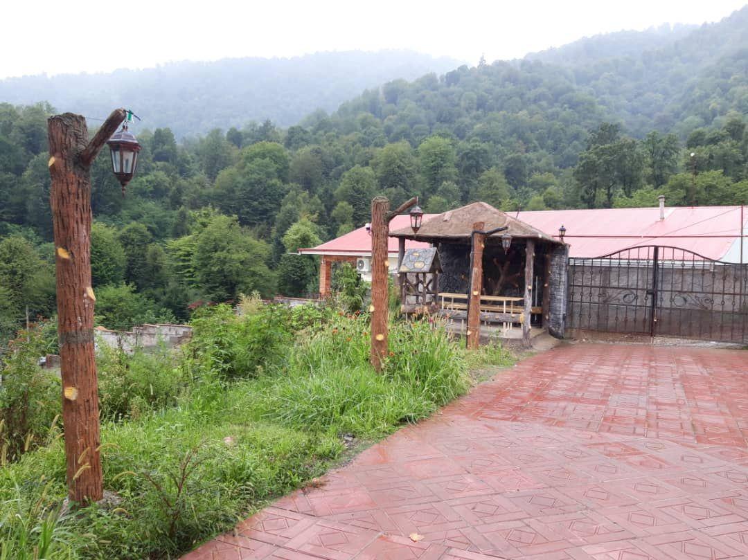 حومه شهر کلبه چوبی بزرگ درماسال