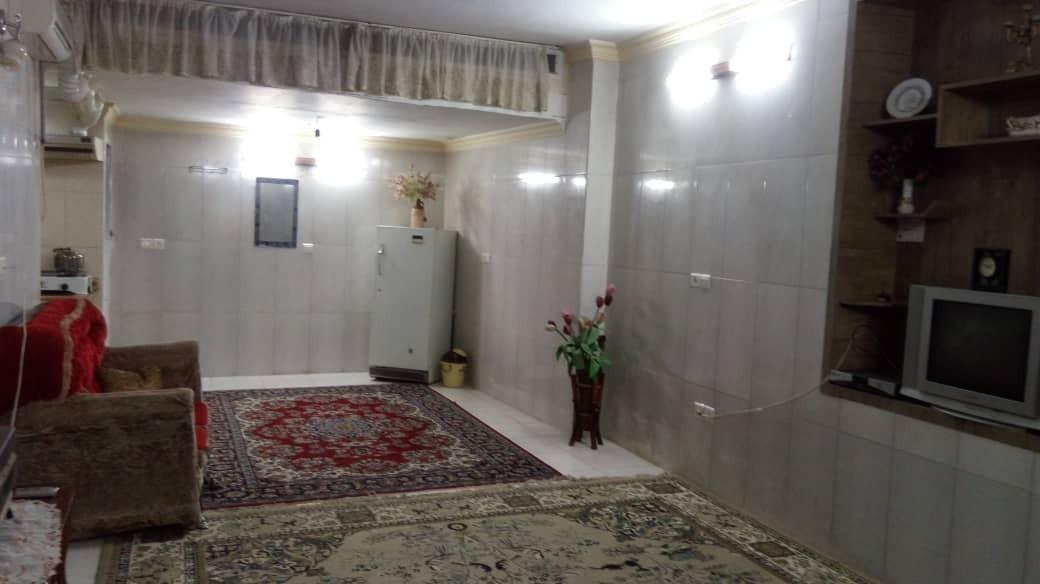 townee سوئیت مبله کوچک در لاله اصفهان
