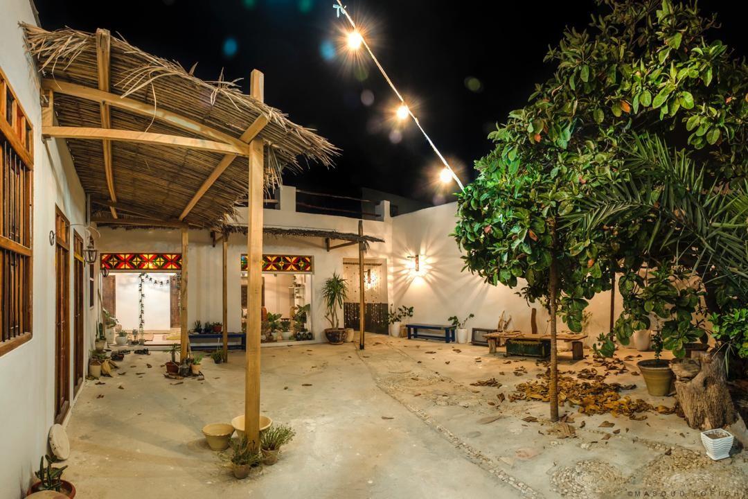 شهری بومگردی سنتی در ساحلی کنگان