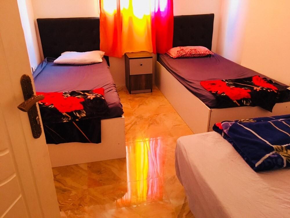 درون شهری هتل آپارتمان دو خوابه الهیه قشم
