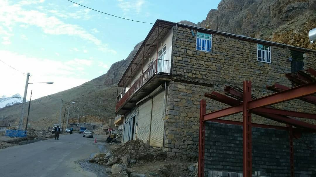 حومه شهر خانه روستایی اجاره ای در اورامان کردستان - مقدسی