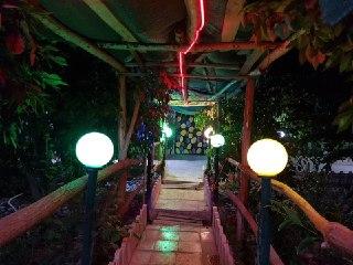 باغ ویلای لاکچری استخردار