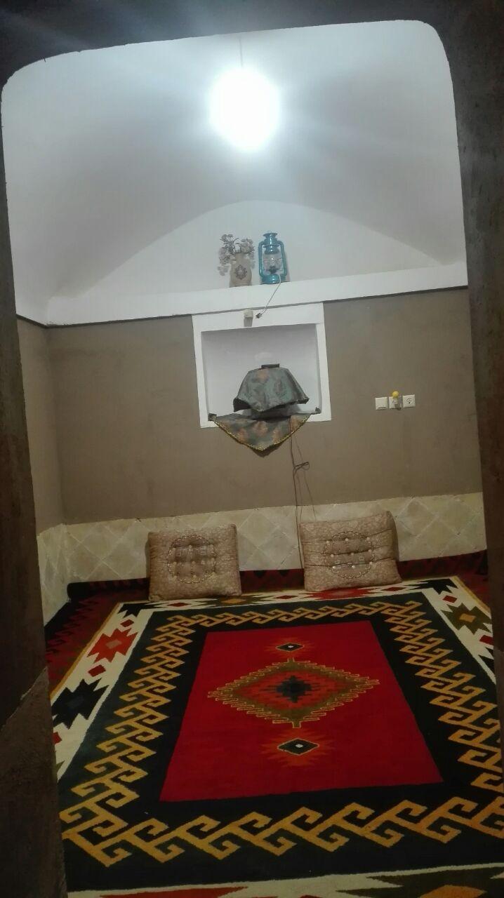 بومگردی قلعه تیزوک اتاق 5