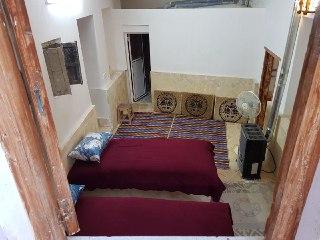 برزوک اتاق قالی