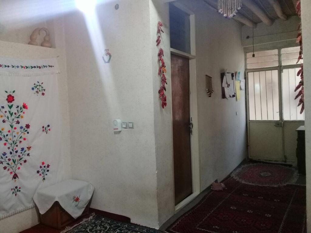 اتاق 2