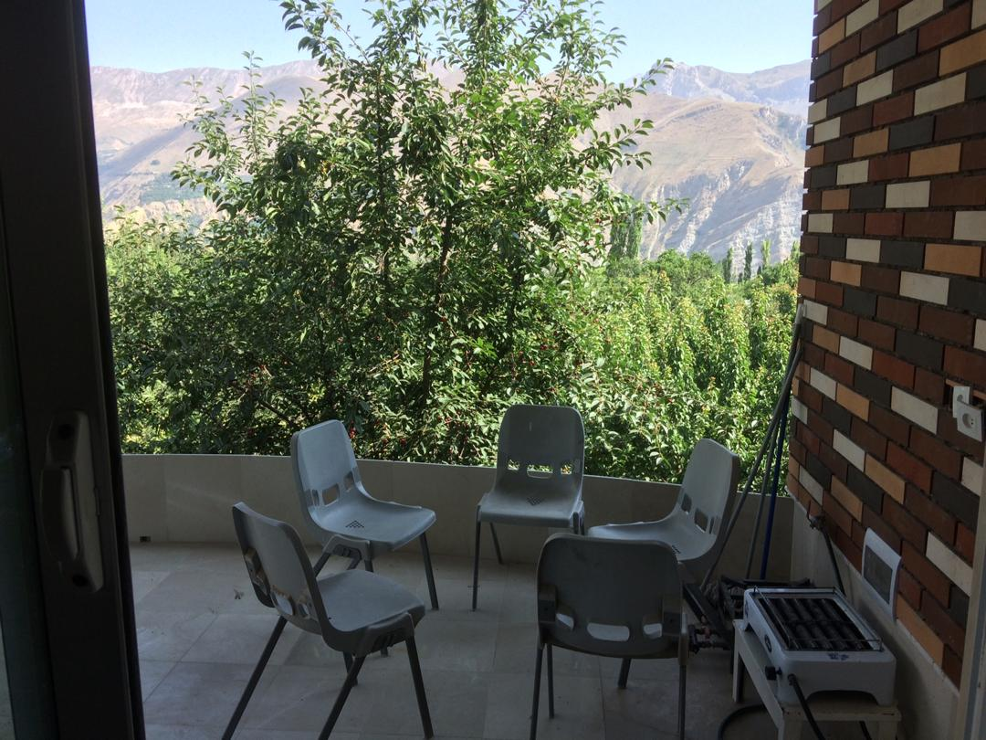 ویلای دربست بدون احتساب حیاط ، نوساز با چشم انداز عالی