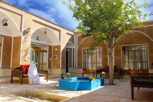 اقامتگاه حافظ1