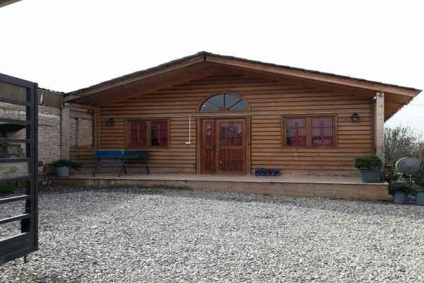 اقامتگاه ویلا کلبه چوبی استخردار