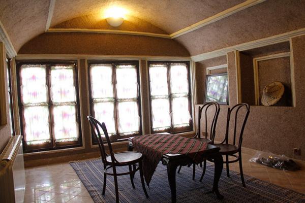 اقامتگاه  خانه سه نیک اتاق گشتاسب