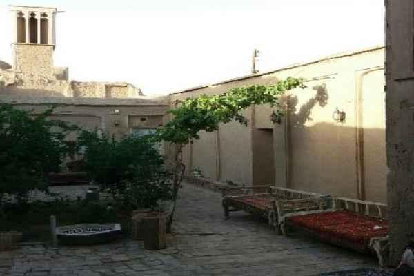 اقامتگاه اقامتگاه خواجه ابونصر ریابی اتاق 9