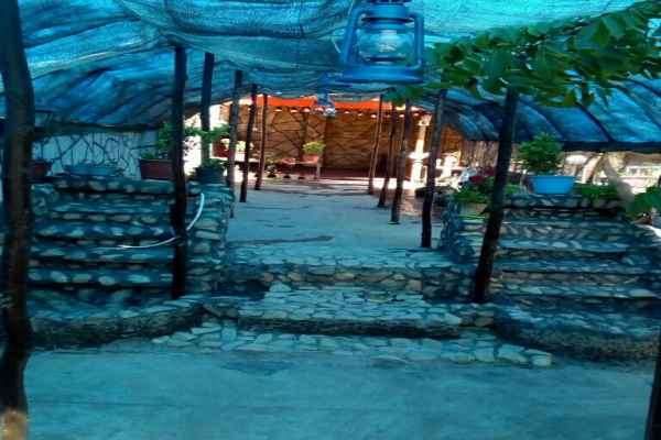 اقامتگاه  اقامتگاه بومگردی باباحیدر اتاق 8