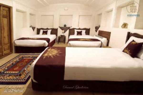 اقامتگاه آقازاده اتاق vip بادگیر