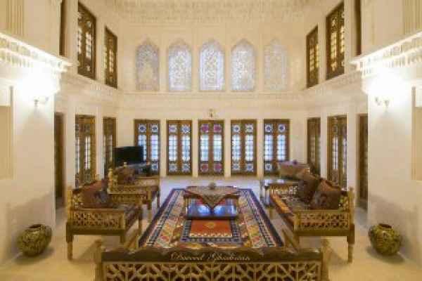 اقامتگاه آقازاده اتاق امین السلطنه vip