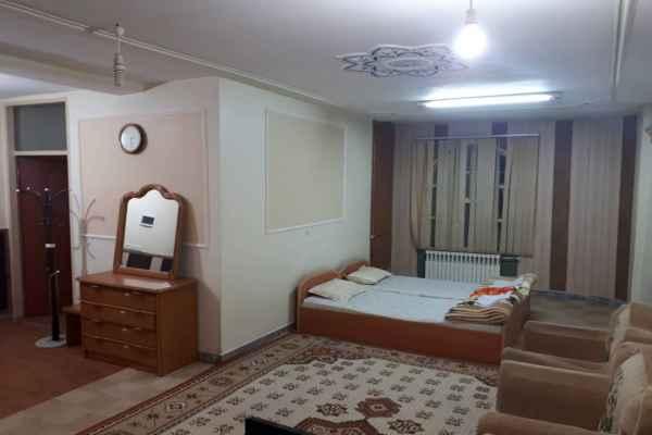 اقامتگاه هتل قصر احمدی سوئیت 20