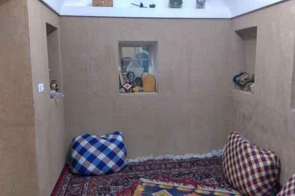 اقامتگاه بومگردی قلعه تیزوک اتاق 1