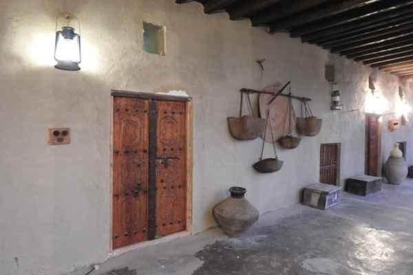 اقامتگاه  خالو منصور اتاق درب بکوش