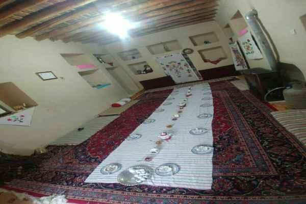 اقامتگاه چشمه مراد شاهرود اتاق 1