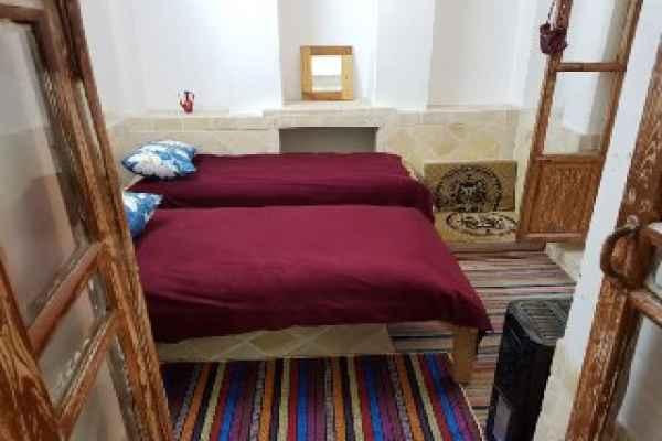 اقامتگاه برزوک اتاق قالی