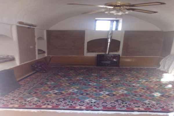 اقامتگاه اقبال اتاق 18