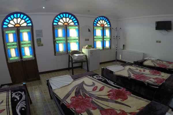 اقامتگاه سرای سنتی آمیرزا اتاق 112
