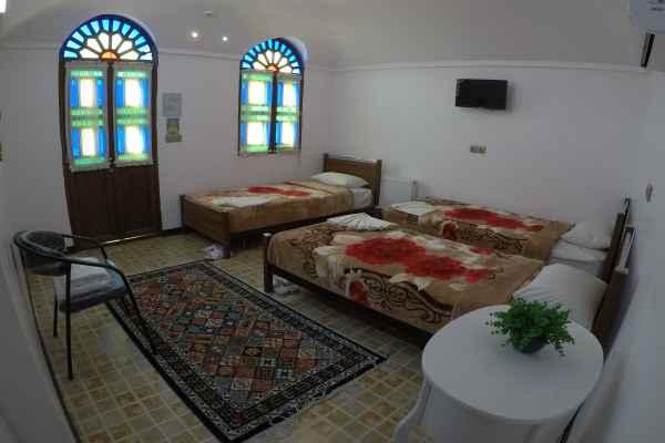 اقامتگاه سرای سنتی آمیرزا اتاق 111-تریپل