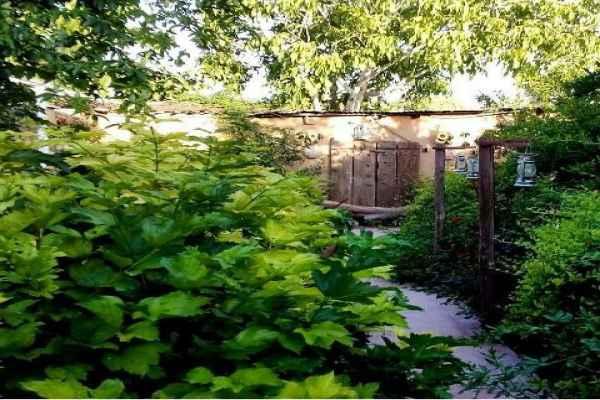 اقامتگاه باغ گلها اتاق 1